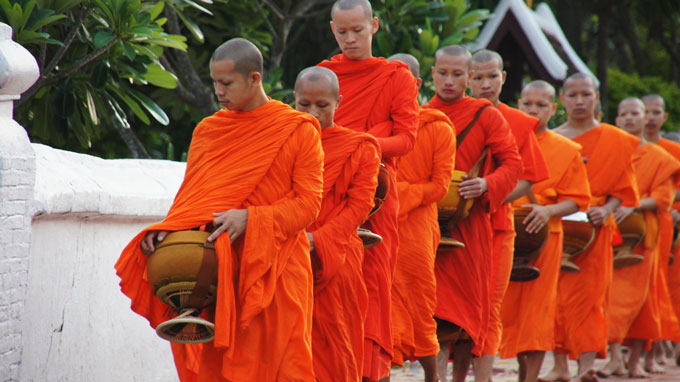 Important manners in conversation with monks
